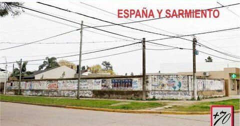 Terreno en venta en España y Sarmiento